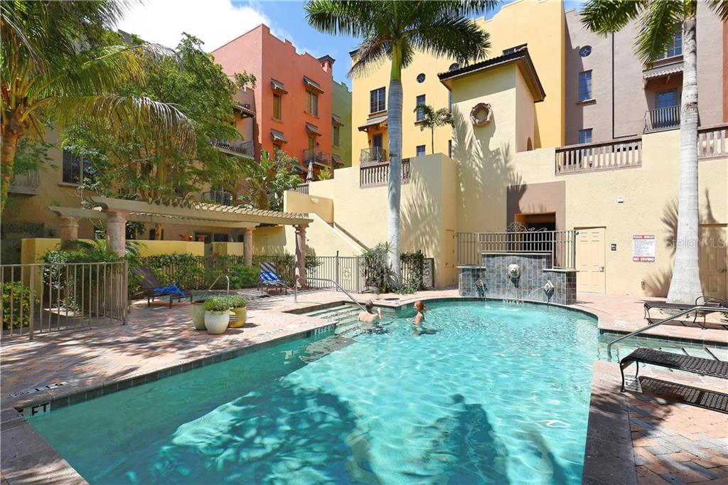 Condo for sale at 1548 Selby Ln #7, Sarasota, FL 34236 - MLS Number is D5919051