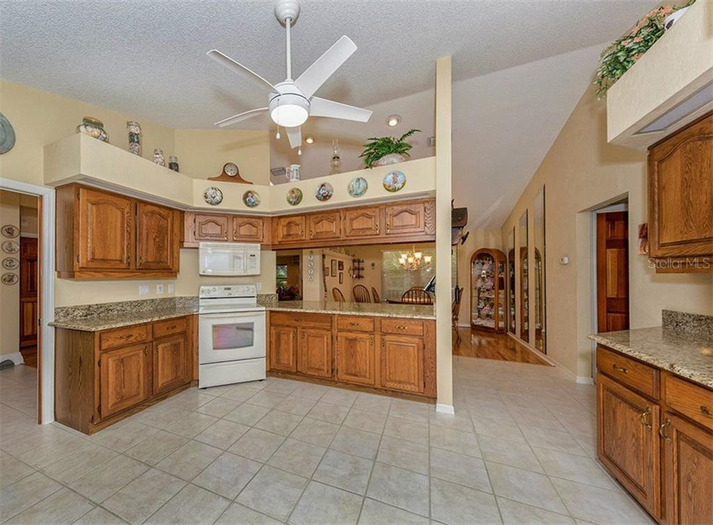 Single Family Home for sale at 845 Pinto Cir, Nokomis, FL 34275 - MLS Number is D5919666