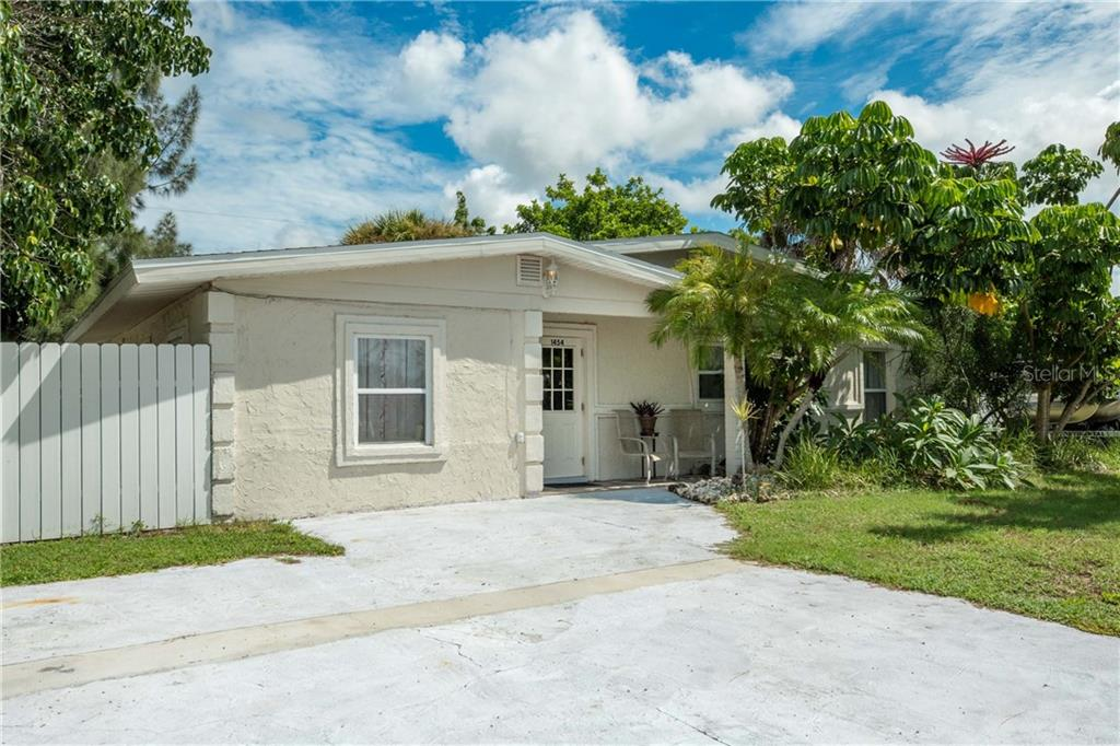 New Supplement - Single Family Home for sale at 1454 Saint Clair Rd, Englewood, FL 34223 - MLS Number is D6102141