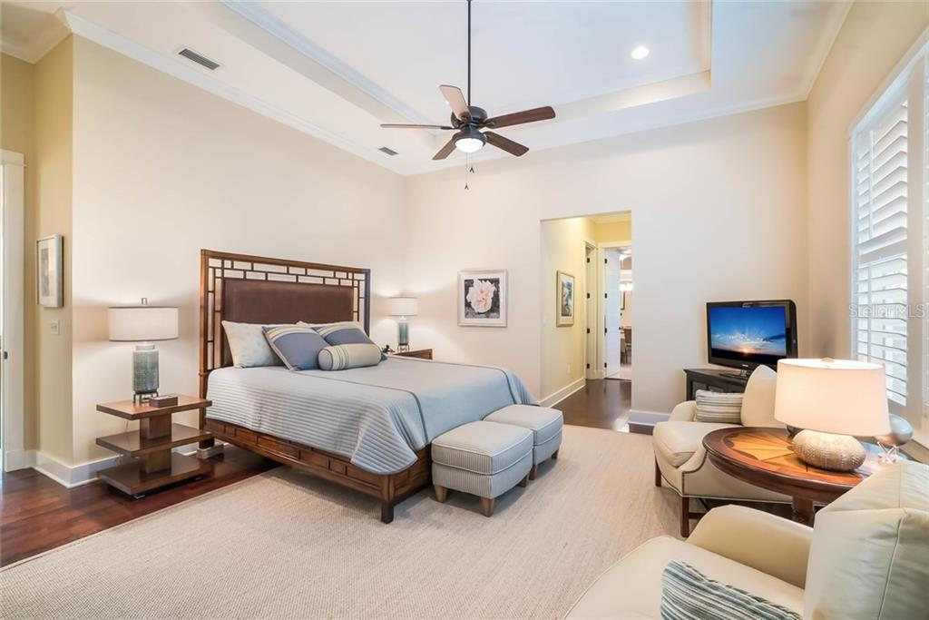 Master bedroom - Single Family Home for sale at 450 Tarpon Ave, Boca Grande, FL 33921 - MLS Number is D6103652