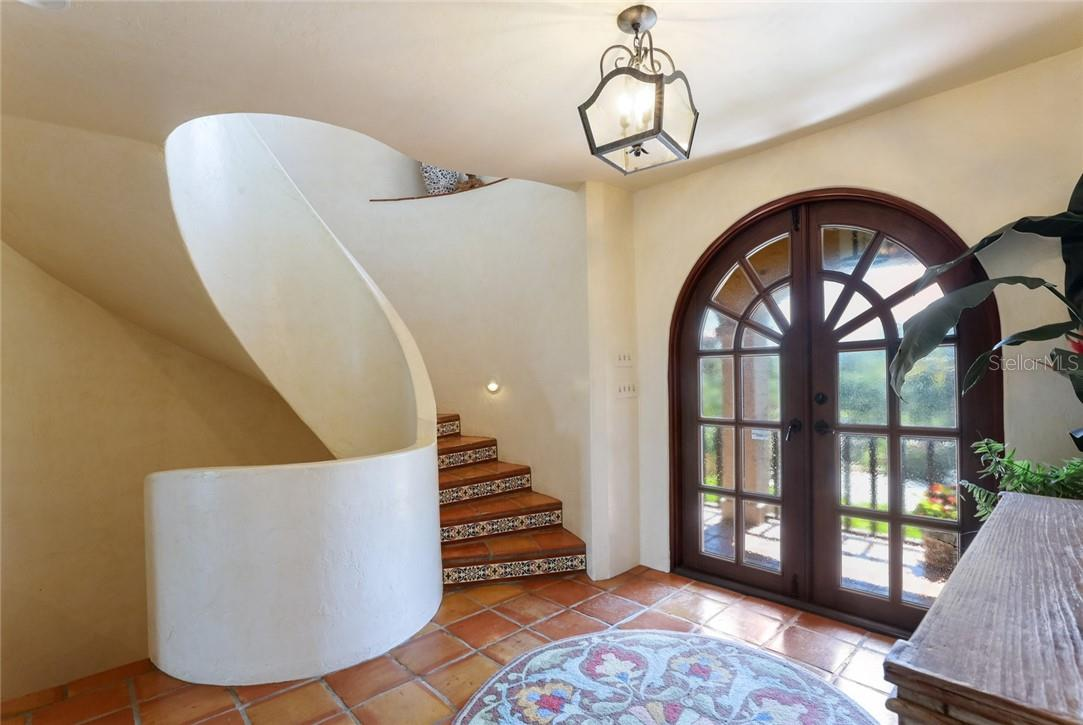 A dramatic entrance - Single Family Home for sale at 4090 Loomis Ave, Boca Grande, FL 33921 - MLS Number is D6112331