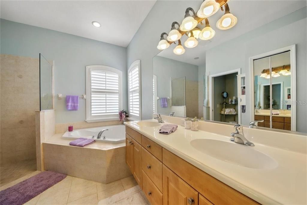 MASTER BATH - Single Family Home for sale at 1944 Coconut Palm Cir, North Port, FL 34288 - MLS Number is D6114523