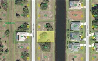 220 W Pine Valley Ln, Rotonda West, FL 33947
