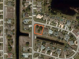 1 Sportsman Ter, Rotonda West, FL 33947