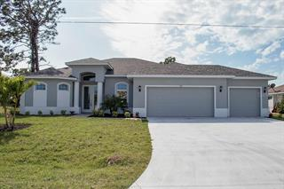 273 White Marsh Ln, Rotonda West, FL 33947