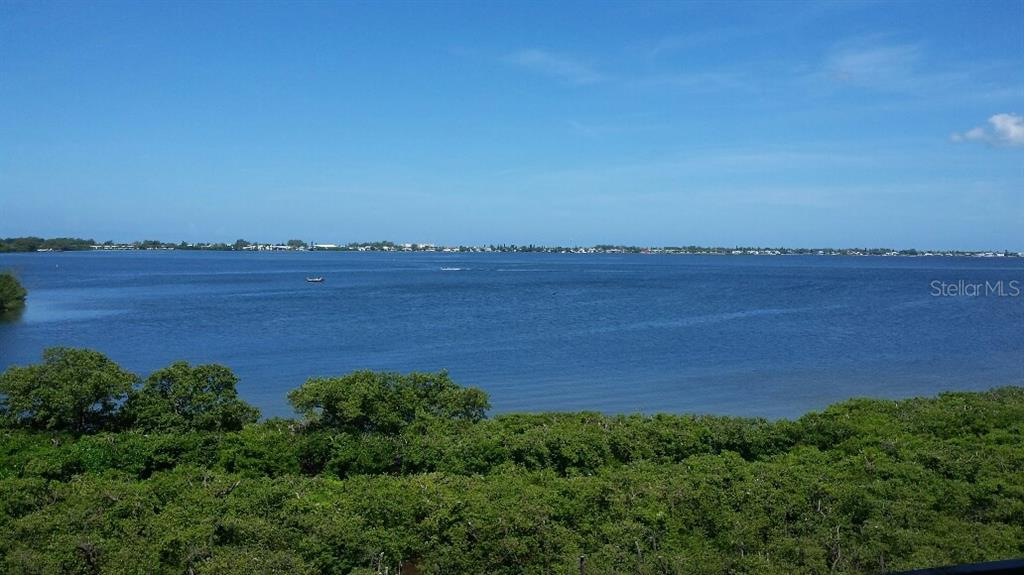 Condo for sale at 380 Aruba Cir #402, Bradenton, FL 34209 - MLS Number is T2909828