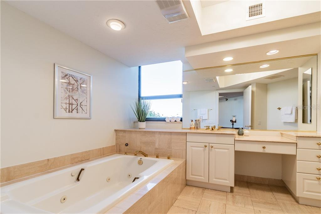 MASTER BEDROOM - Condo for sale at 1281 Gulf Of Mexico Dr #304, Longboat Key, FL 34228 - MLS Number is T3121789