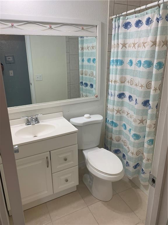 SECOND BATH - Single Family Home for sale at 5171 Albion Rd, Venice, FL 34293 - MLS Number is V4914784