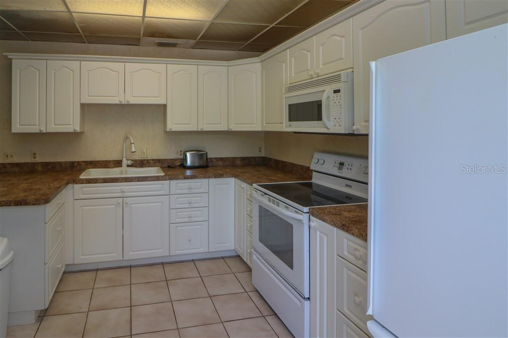 guest house kitchen - Single Family Home for sale at 3262 Great Neck St, Port Charlotte, FL 33952 - MLS Number is C7403390