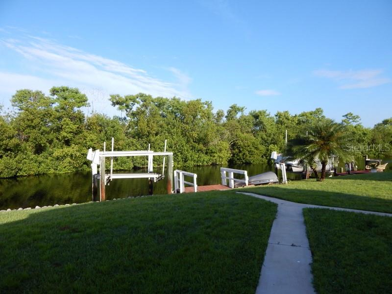 Private dock and boat lift - Manufactured Home for sale at 66 Windmill Blvd, Punta Gorda, FL 33950 - MLS Number is C7405183