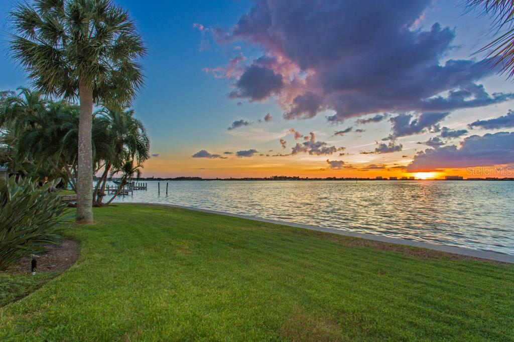 1502 Sandpiper Ln, Sarasota, FL 34239 - photo 12 of 15
