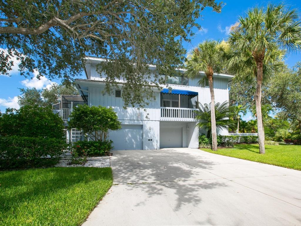 Exterior front - Single Family Home for sale at 1272 Riegels Landing Dr, Sarasota, FL 34242 - MLS Number is A4160033
