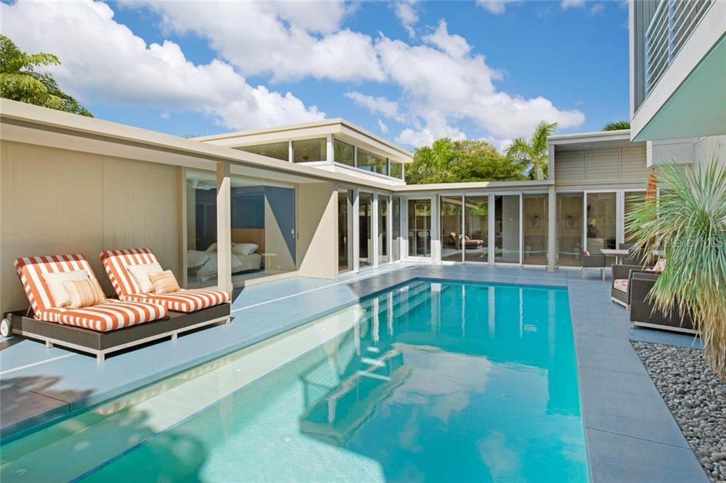 175 Morningside Dr, Sarasota, FL 34236 - photo 12 of 25
