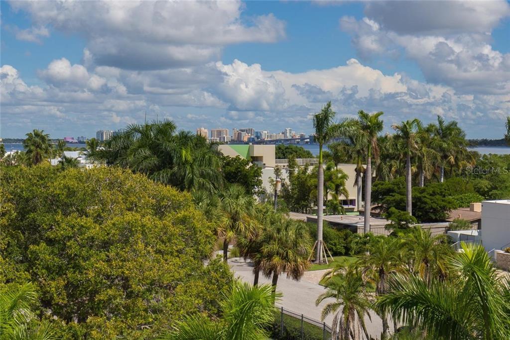 175 Morningside Dr, Sarasota, FL 34236 - photo 22 of 25
