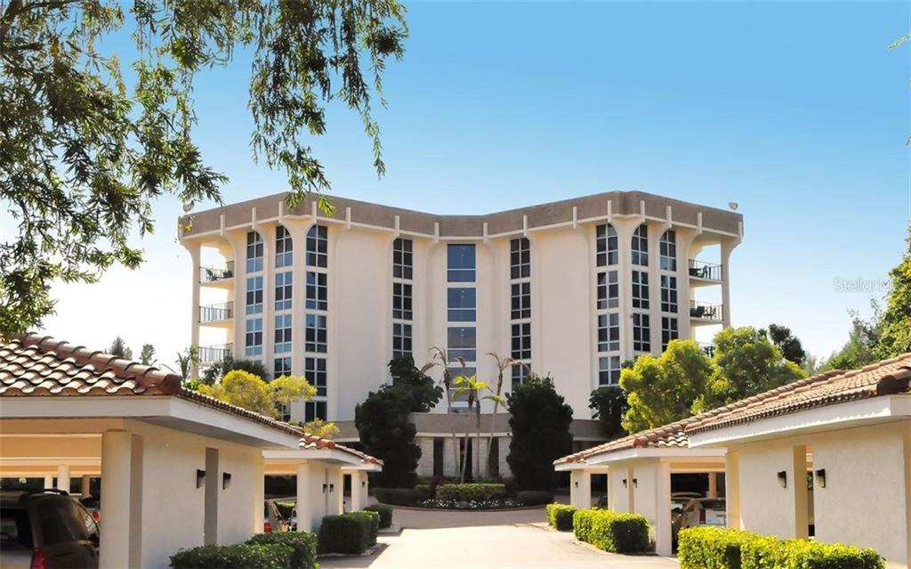 Entrance to the building - Condo for sale at 1701 Gulf Of Mexico Dr #505, Longboat Key, FL 34228 - MLS Number is A4170632