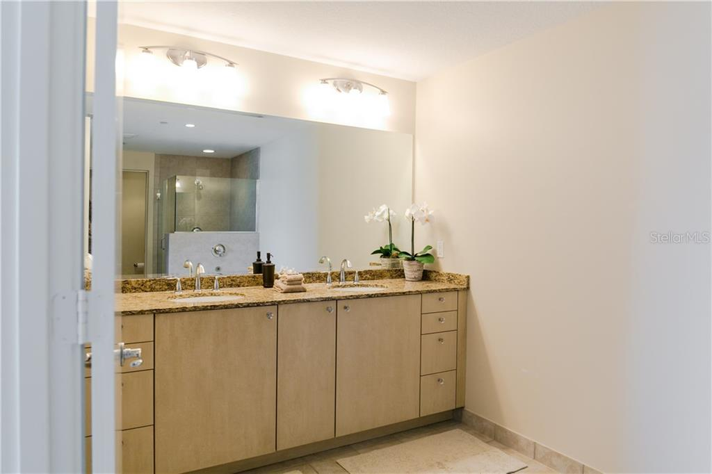 Large Master Bath - Condo for sale at 6512 Midnight Pass Rd #406, Sarasota, FL 34242 - MLS Number is A4171720