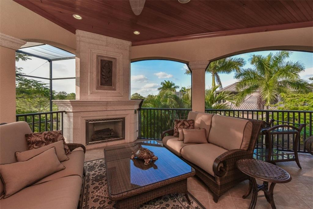 Single Family Home for sale at 7202 Teal Creek Gln, Lakewood Ranch, FL 34202 - MLS Number is A4172569
