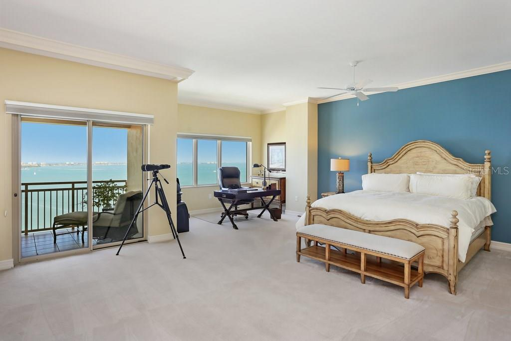 Condo for sale at 1111 Ritz Carlton Dr #ph-1701, Sarasota, FL 34236 - MLS Number is A4173347