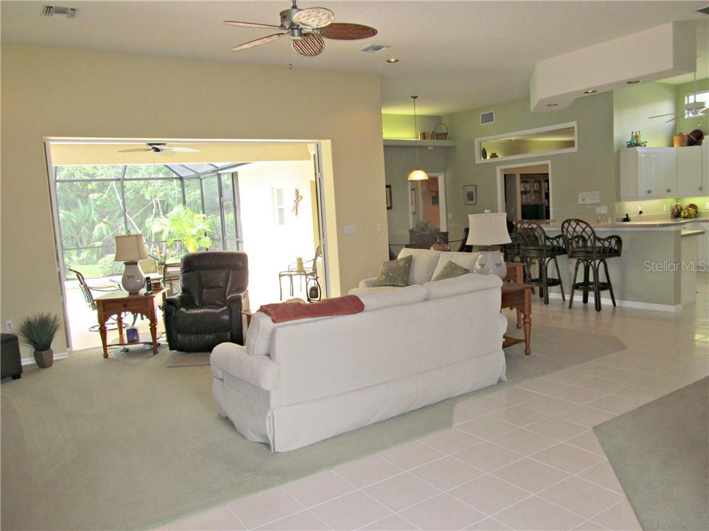 Single Family Home for sale at 7007 Chickasaw Bayou Rd, Bradenton, FL 34203 - MLS Number is A4177136