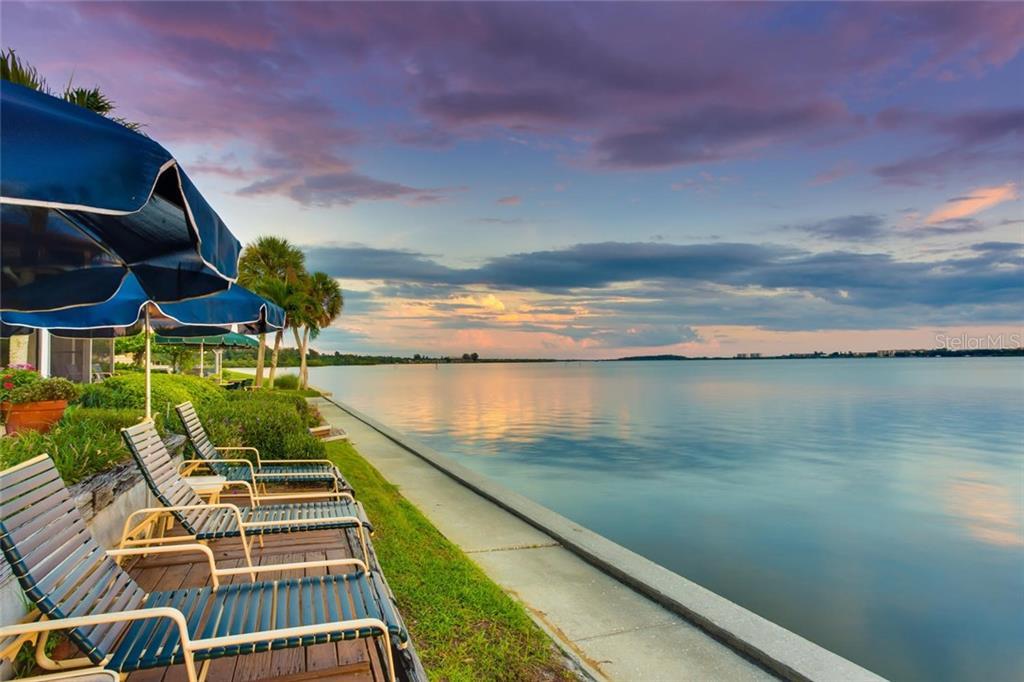 1705 Southpointe Dr, Sarasota, FL 34231 - photo 22 of 25