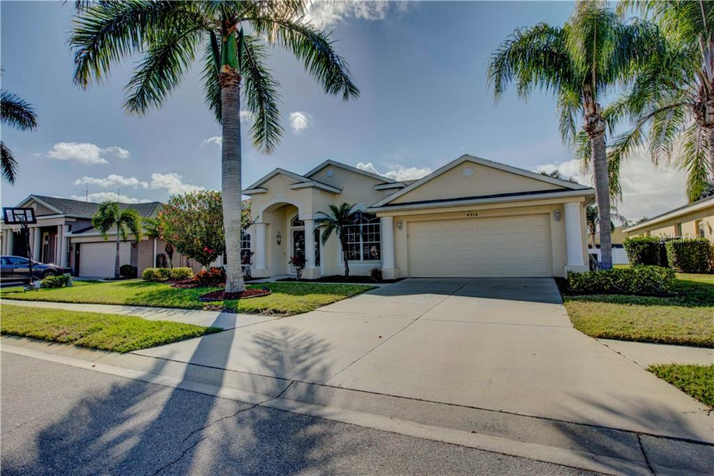 Single Family Home for sale at 4516 Useppa Dr, Bradenton, FL 34203 - MLS Number is A4178602