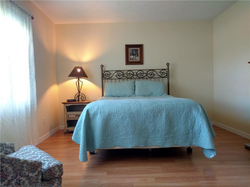Bedroom 2 - Single Family Home for sale at 3183 Crystal Lakes Ct, Sarasota, FL 34235 - MLS Number is A4179416
