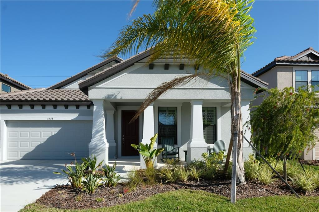 Single Family Home for sale at 5588 Foxtail Palm Ln, Sarasota, FL 34233 - MLS Number is A4180257