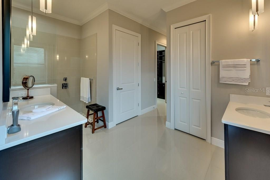 Master Bath - Single Family Home for sale at 505 Mast Dr, Bradenton, FL 34208 - MLS Number is A4184659