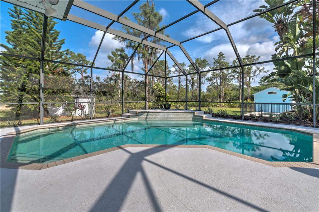 Single Family Home for sale at 20905 77th Ave E, Bradenton, FL 34202 - MLS Number is A4185124
