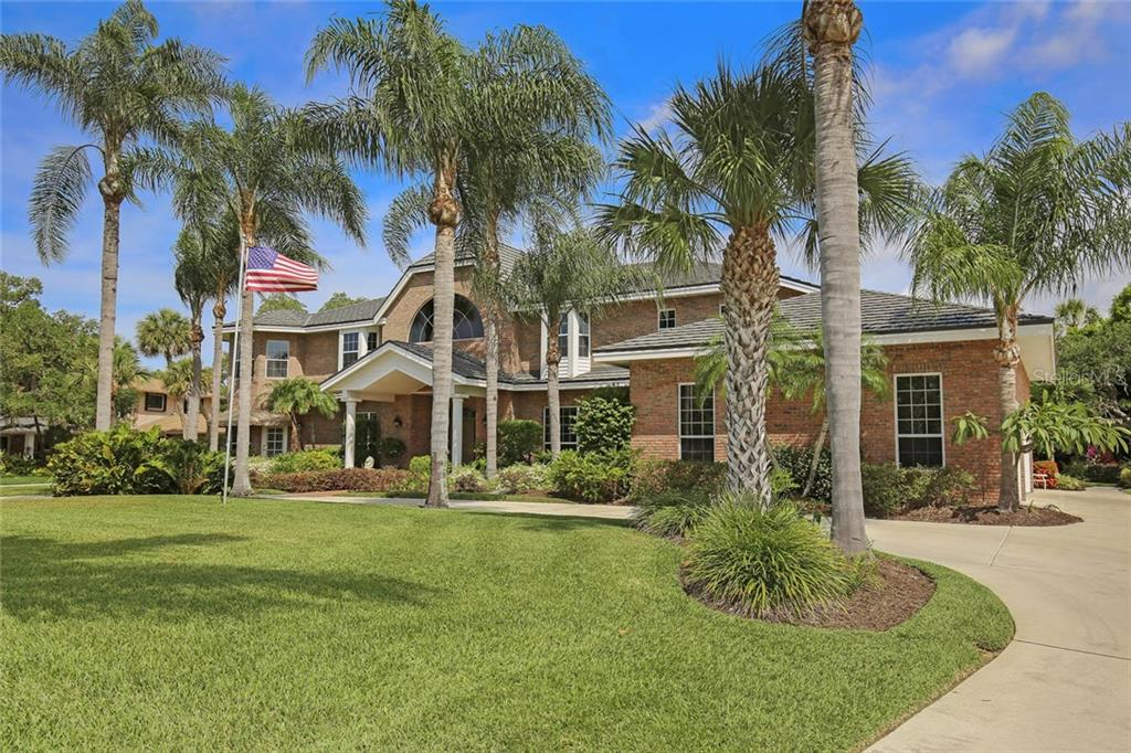 Traditional five bedroom family home with lots of windows and lush gardens. - Single Family Home for sale at 3765 Beneva Oaks Blvd, Sarasota, FL 34238 - MLS Number is A4185879