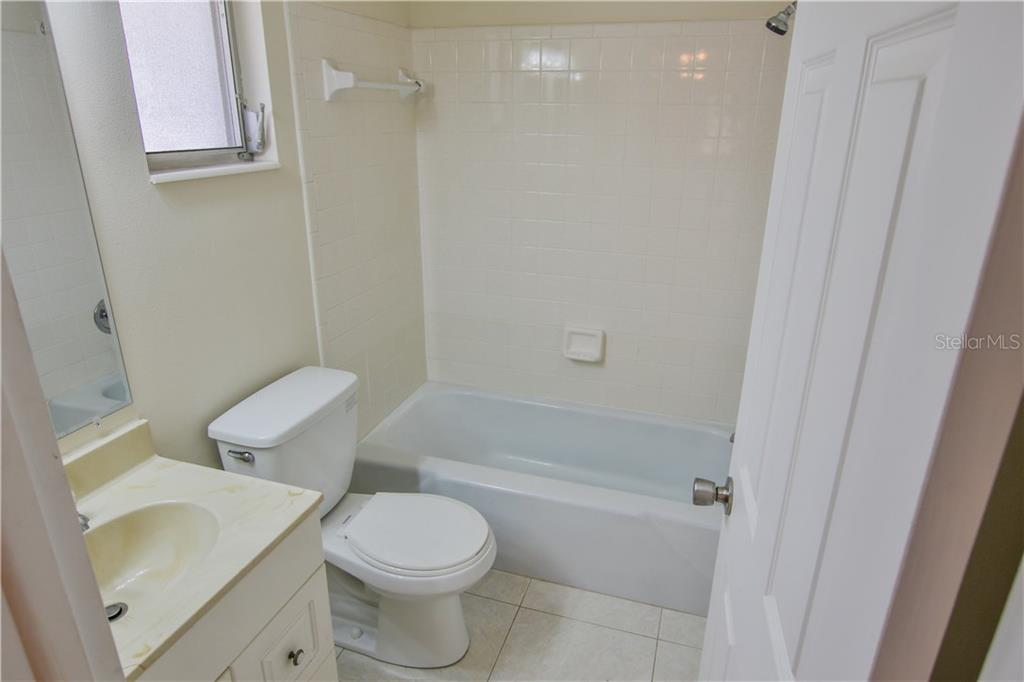 Guest Bathroom - Villa for sale at 2312 Terry Ln, Sarasota, FL 34231 - MLS Number is A4186271