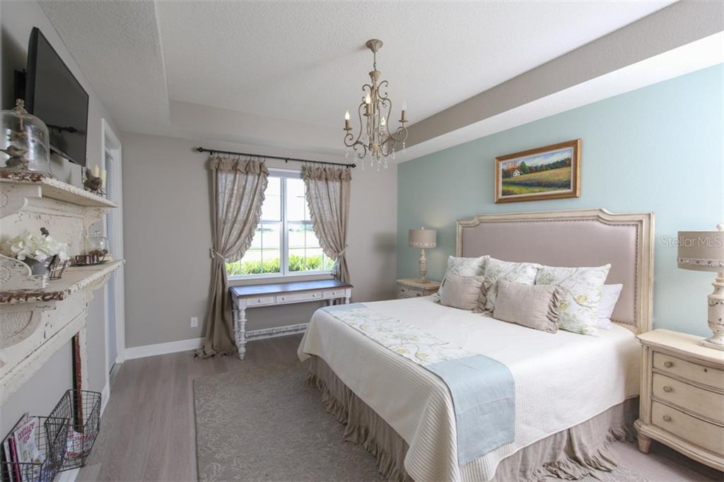 Master bedroom. - Condo for sale at 1255 Riverscape St #n/A, Bradenton, FL 34208 - MLS Number is A4186832