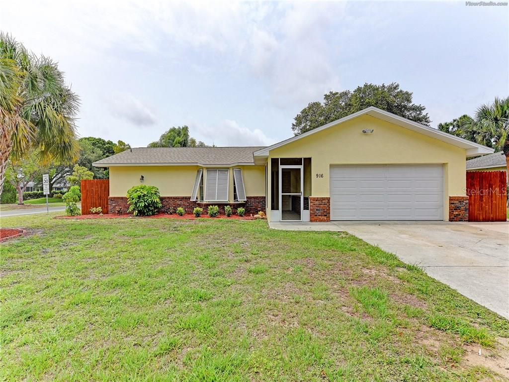 CUTE RANCH WITH ENCLOSED ENTRY PORCH - Single Family Home for sale at 916 W Shannon Ct, Venice, FL 34293 - MLS Number is A4187148