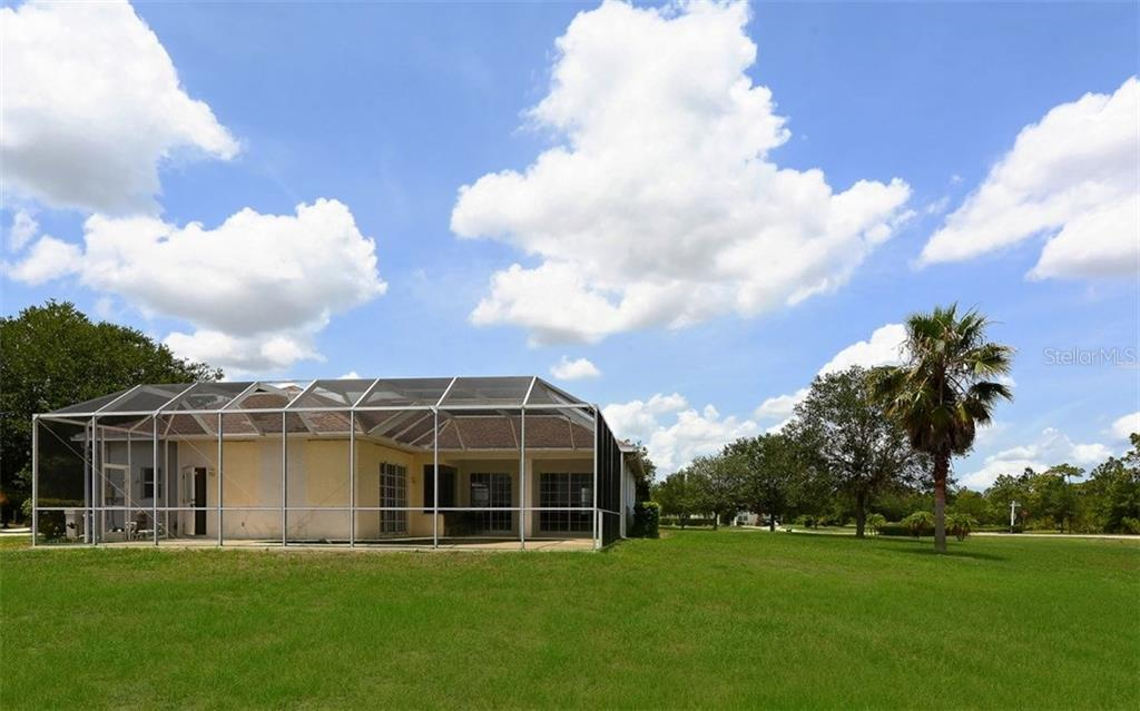 Single Family Home for sale at 8007 Snowy Egret Pl, Bradenton, FL 34202 - MLS Number is A4187723