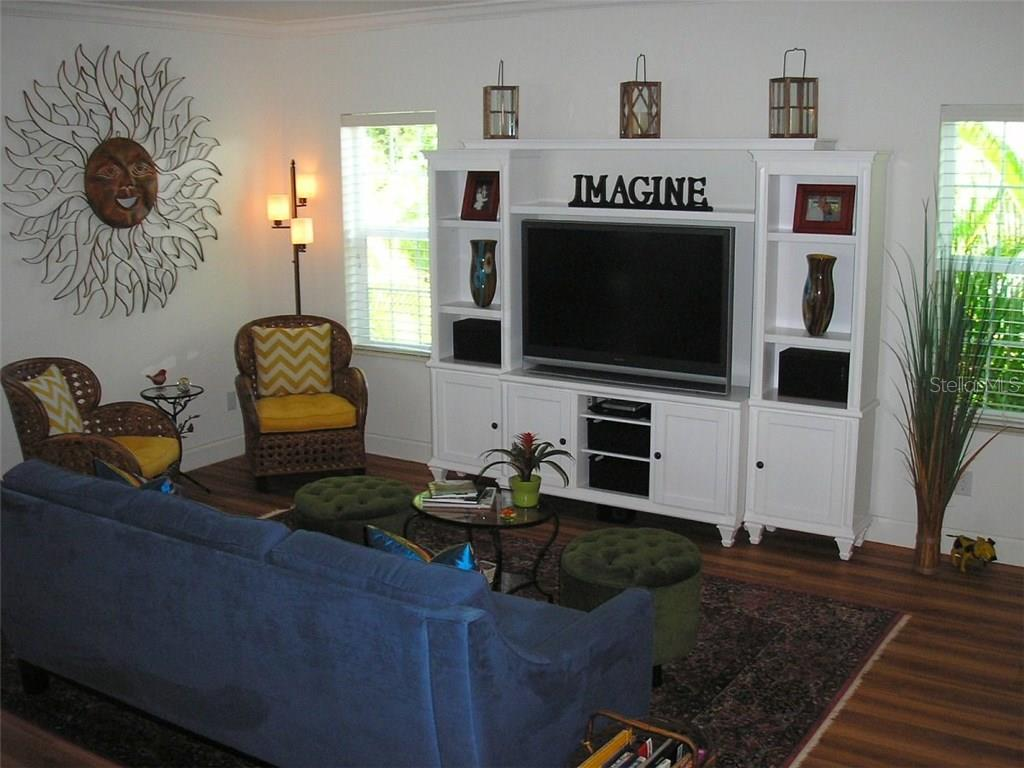 GREAT ROOM  LIVING ROOM VIEW - Single Family Home for sale at 591 Cedar St, Longboat Key, FL 34228 - MLS Number is A4187813