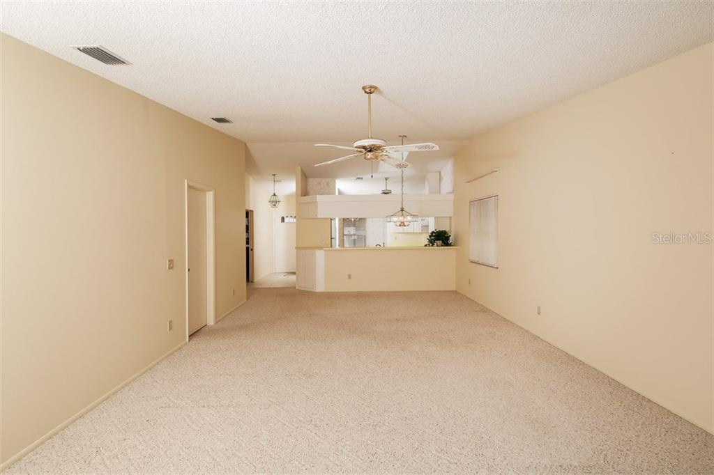 Condo for sale at 5528 37th St E #5528, Bradenton, FL 34203 - MLS Number is A4187914