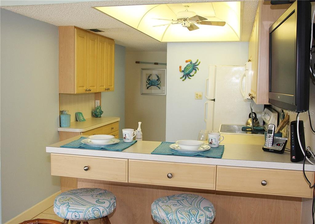 kitchen - Condo for sale at 4621 Gulf Of Mexico Dr #11c, Longboat Key, FL 34228 - MLS Number is A4187979