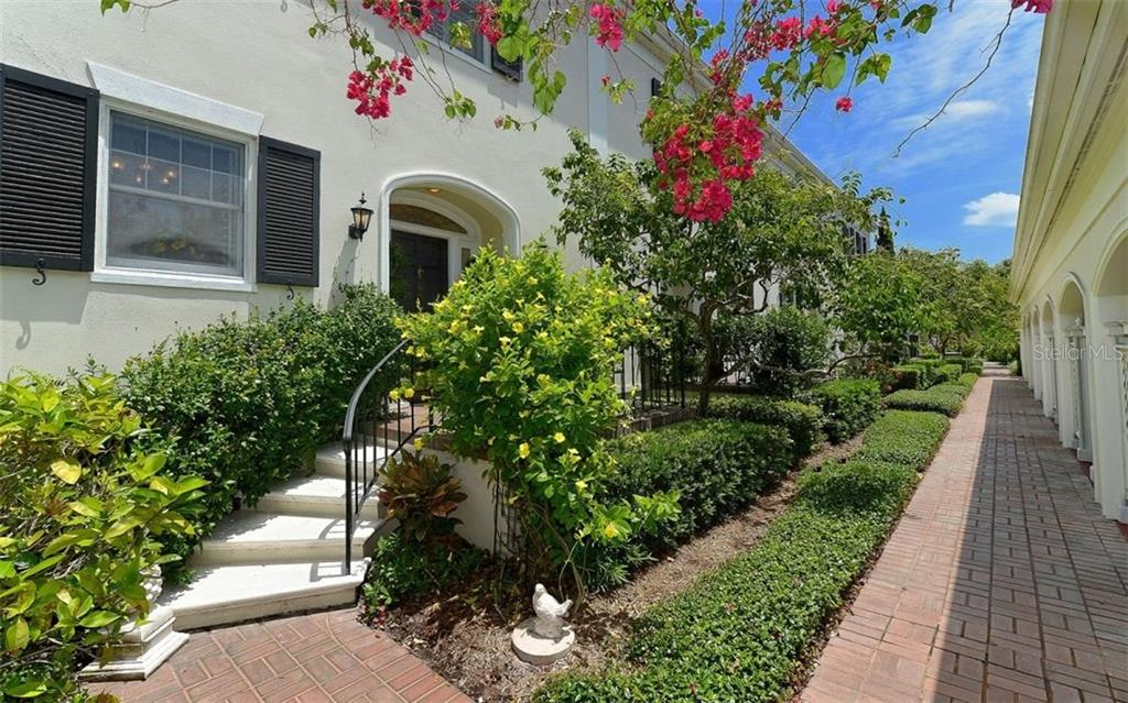 Entranceway - Townhouse for sale at 68 Bishops Court Rd #115, Osprey, FL 34229 - MLS Number is A4187983