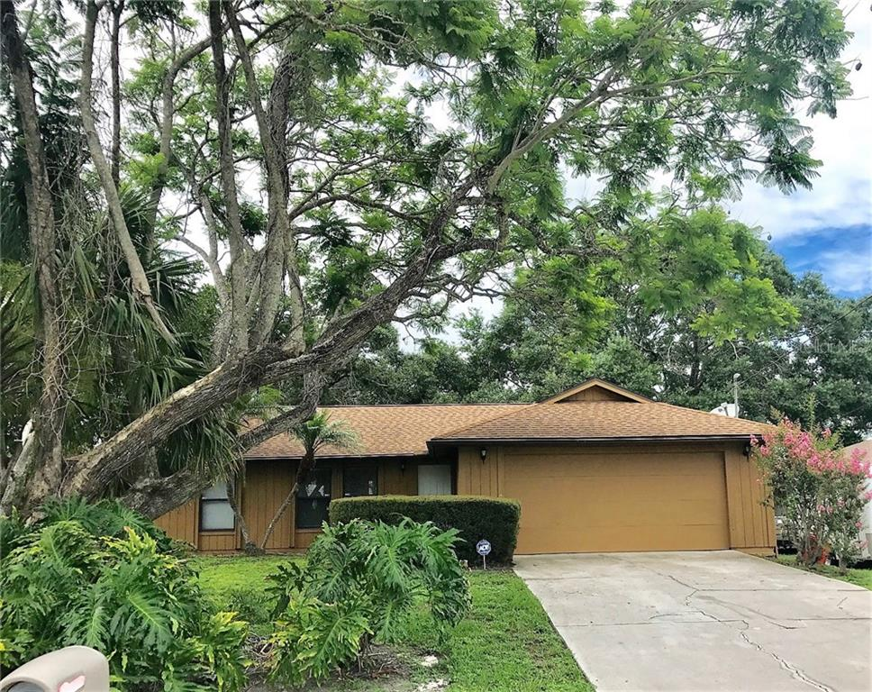 Single Family Home for sale at 4721 Brooksdale Dr, Sarasota, FL 34232 - MLS Number is A4188281