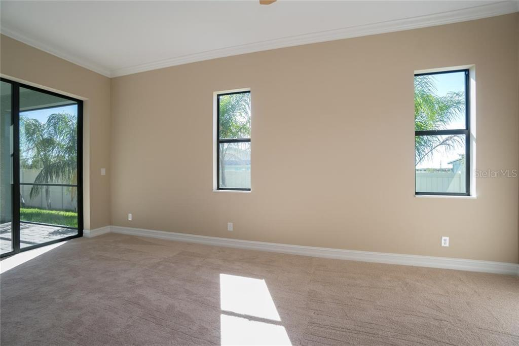 Single Family Home for sale at 6623 35th Court East, Sarasota, FL 34243 - MLS Number is A4188537
