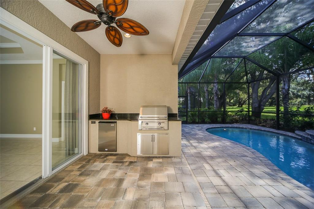 Single Family Home for sale at 12146 Thornhill Ct, Lakewood Ranch, FL 34202 - MLS Number is A4188956