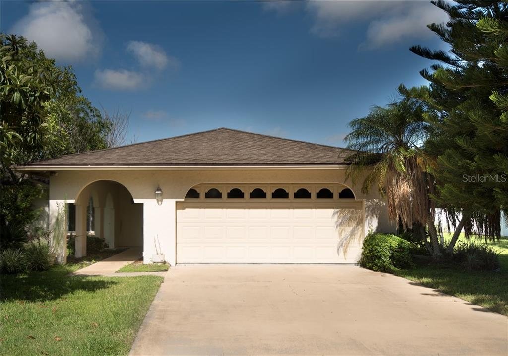 Single Family Home for sale at 1538 Georgetowne Ln, Sarasota, FL 34232 - MLS Number is A4189173