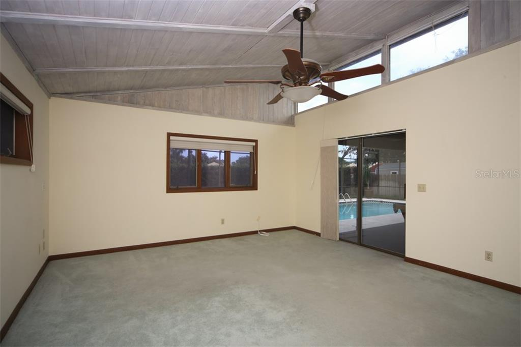 Master Bedroom - Single Family Home for sale at 1602 54th St W, Bradenton, FL 34209 - MLS Number is A4191877