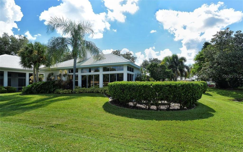 Lovely back view of home - Villa for sale at 604 Crossfield Cir #31, Venice, FL 34293 - MLS Number is A4193953