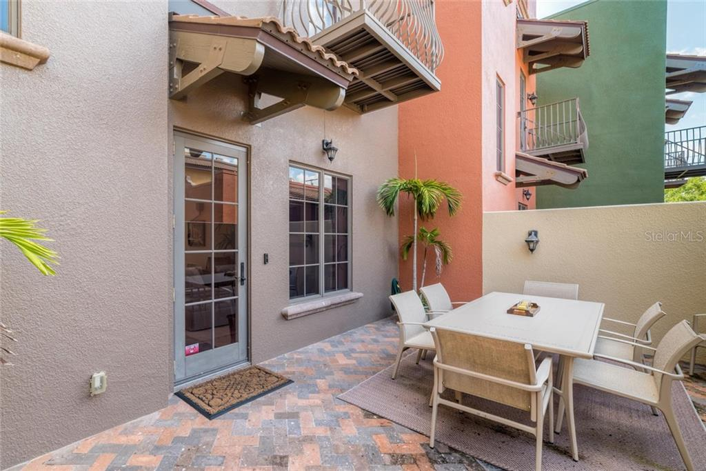 Condo for sale at 1545 Oak St #10, Sarasota, FL 34236 - MLS Number is A4194591
