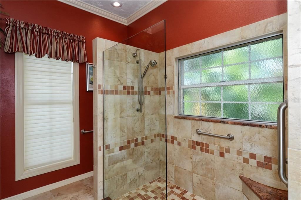 Single Family Home for sale at 1202 N View Dr, Sarasota, FL 34242 - MLS Number is A4195581