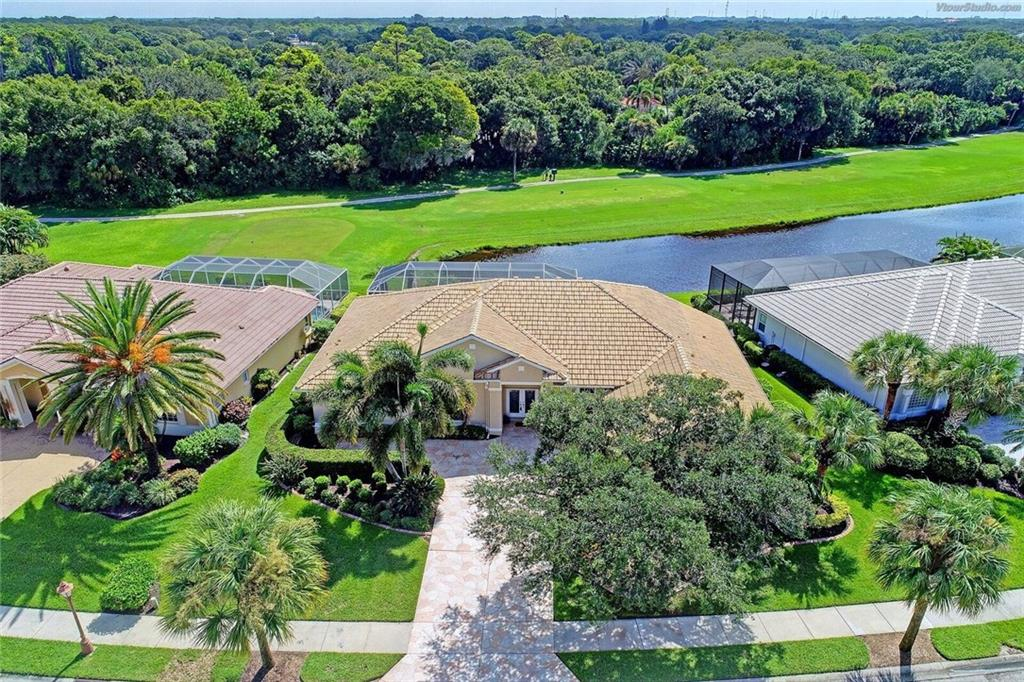Single Family Home for sale at 618 Sawgrass Bridge Rd, Venice, FL 34292 - MLS Number is A4195740