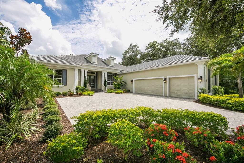 Single Family Home for sale at 7531 Greystone St, Lakewood Ranch, FL 34202 - MLS Number is A4196028