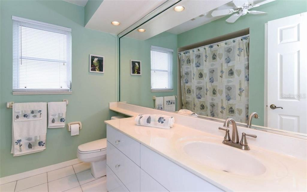 Hall Bath Is Large with Linen Closet - Single Family Home for sale at 1632 Valley Dr, Venice, FL 34292 - MLS Number is A4197771