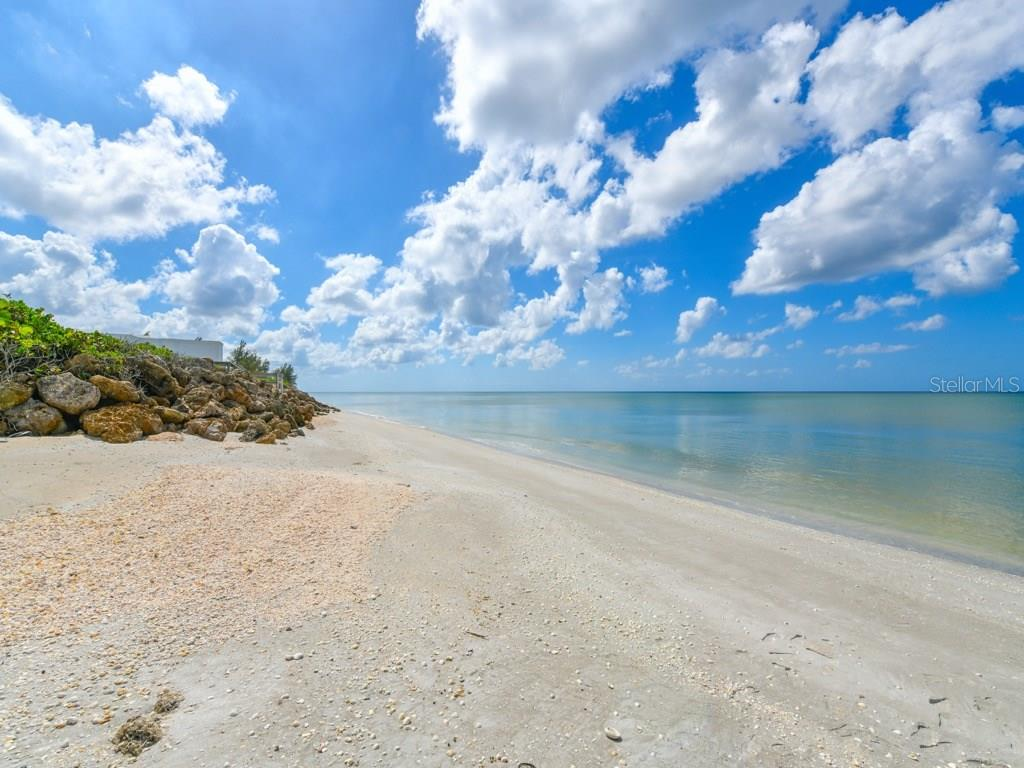Private Beach View to the South - Single Family Home for sale at 418 N Casey Key Rd, Osprey, FL 34229 - MLS Number is A4198549